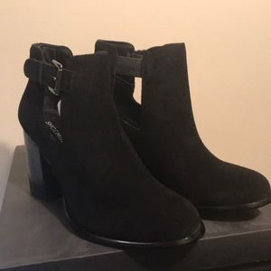 NWT Laurel Bootie